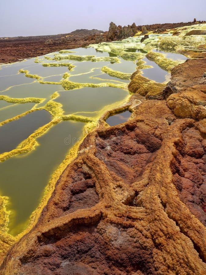 Den Danakil fördjupningen ser som ett landskap på en annan planet ethiopia royaltyfria bilder
