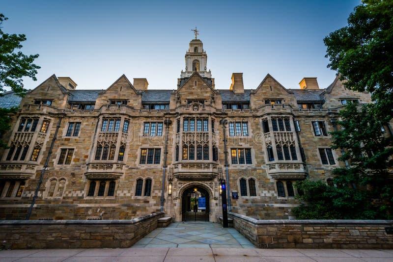 Den Davenport högskolabyggnaden på Yale University, i New Haven, fotografering för bildbyråer