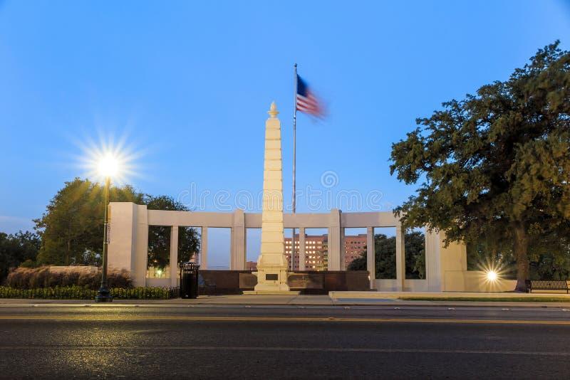 Den Dealy plazaen i i stadens centrum Dallas royaltyfria bilder