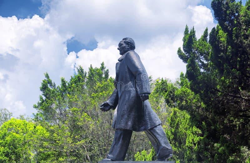 Den Deng Xiaoping statyn Lianhuashan parkerar arkivfoto