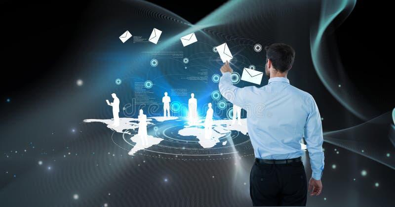 Den Digital frambragda bilden av att trycka på för affärsman packar in på den futuristiska skärmen royaltyfria bilder