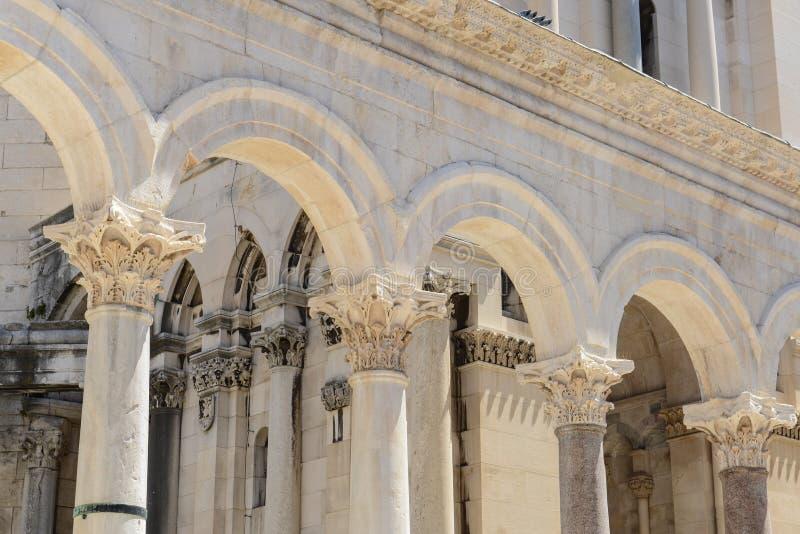Den Diocletian slotten fördärvar i splittring royaltyfria foton