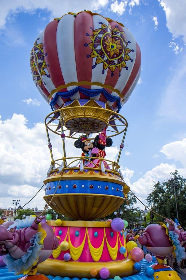 Den Disney världen Orlando Florida Magic Kingdom ståtar den micky musen royaltyfri bild