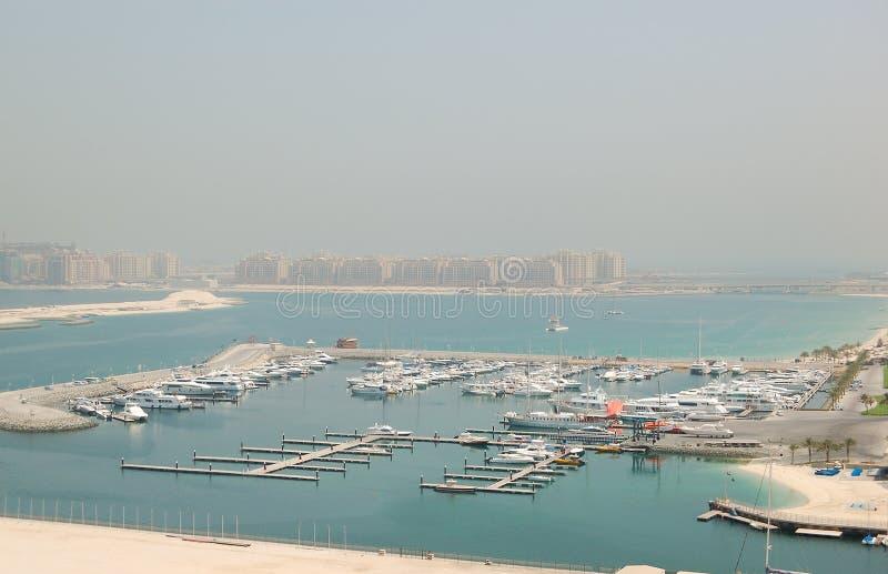 Den Dubai Jumeirahmarinaen Gömma I Handflatan Parkeringsyachten Arkivfoto