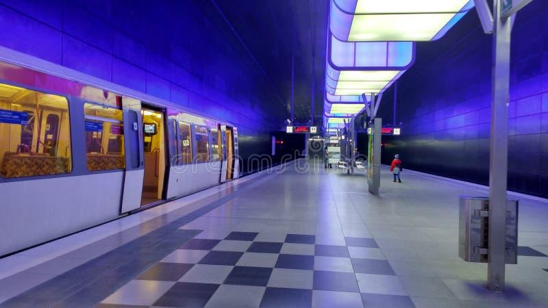 Den ensamma tunnelbanan royaltyfri fotografi