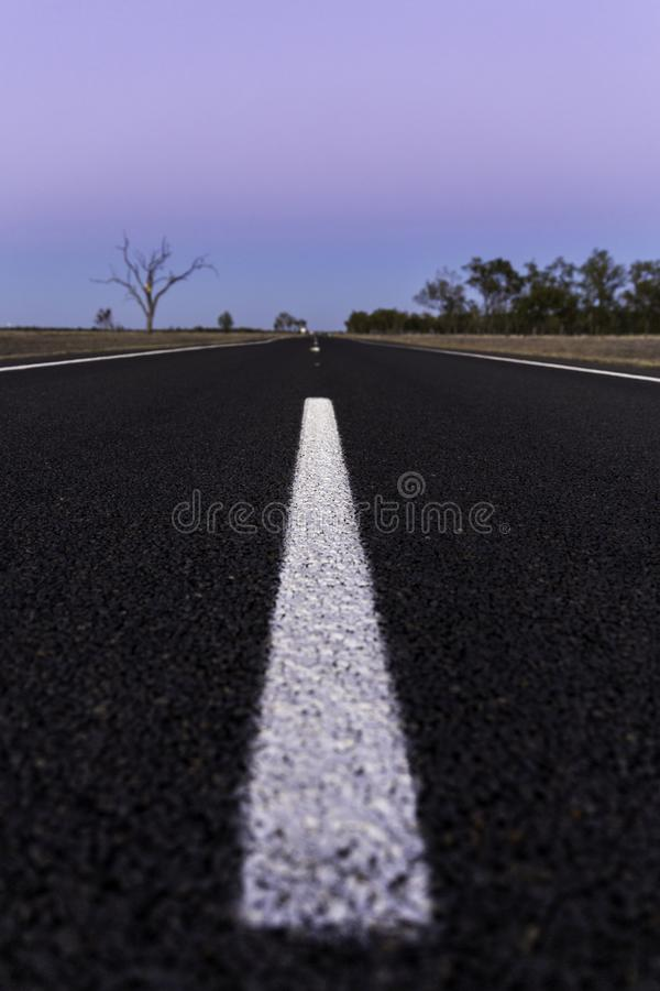 Den ensamma vägen till någonstans royaltyfri bild