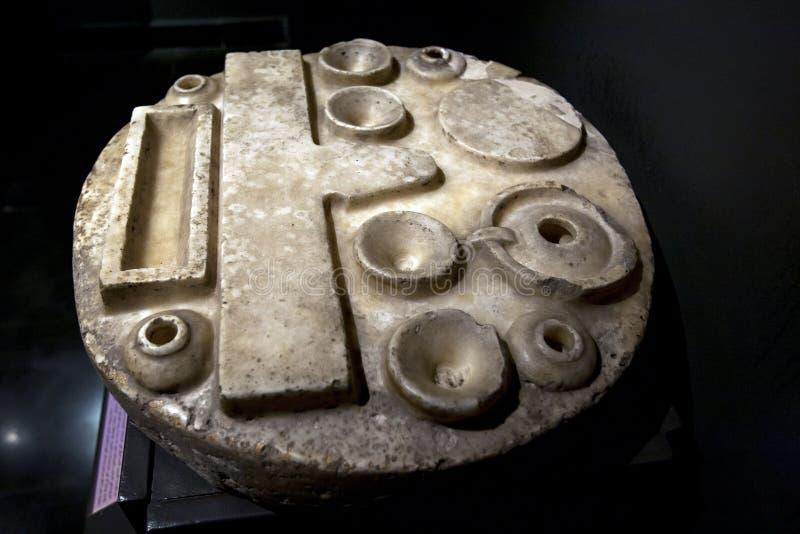 Den erbjudande tabellen av Kaemankh upptäckte på Saqqara i Egypten arkivbild