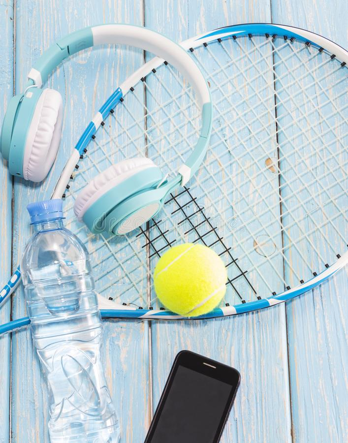 den färga utrustningillustrationen skidar sportvatten Sportsats vektor för tennis för bollillustrationracket royaltyfria foton