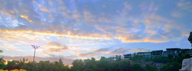 Den färgrika himlen royaltyfri foto
