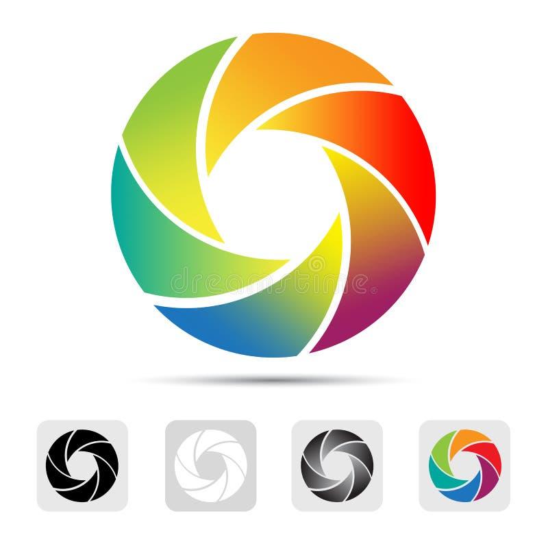 Den färgrika kameran stänger med fönsterluckor logoen, illustration. royaltyfri illustrationer