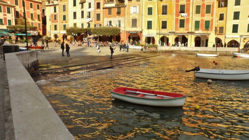Den färgrika Portofinoen, Liguria, Italien arkivbilder