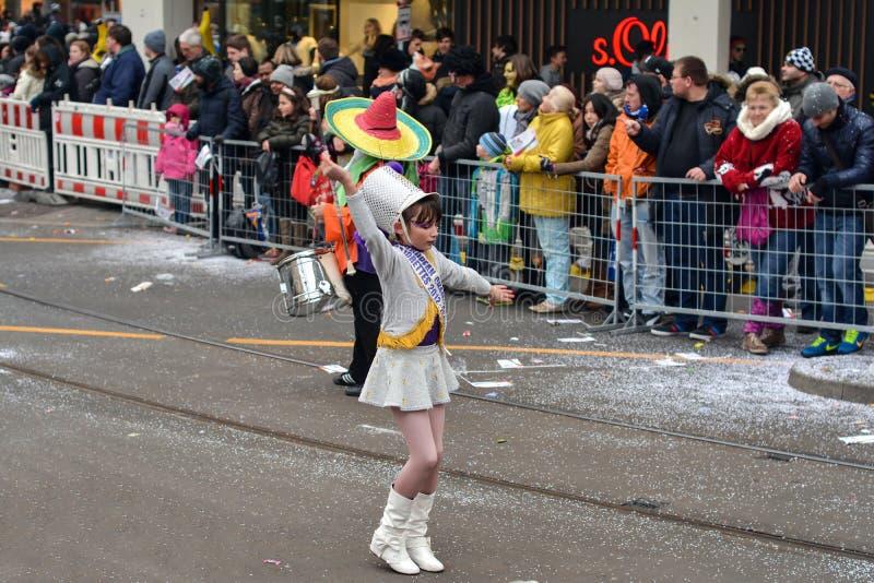 Den Fasching karnevalet ståtar Karlsruhe arkivfoto