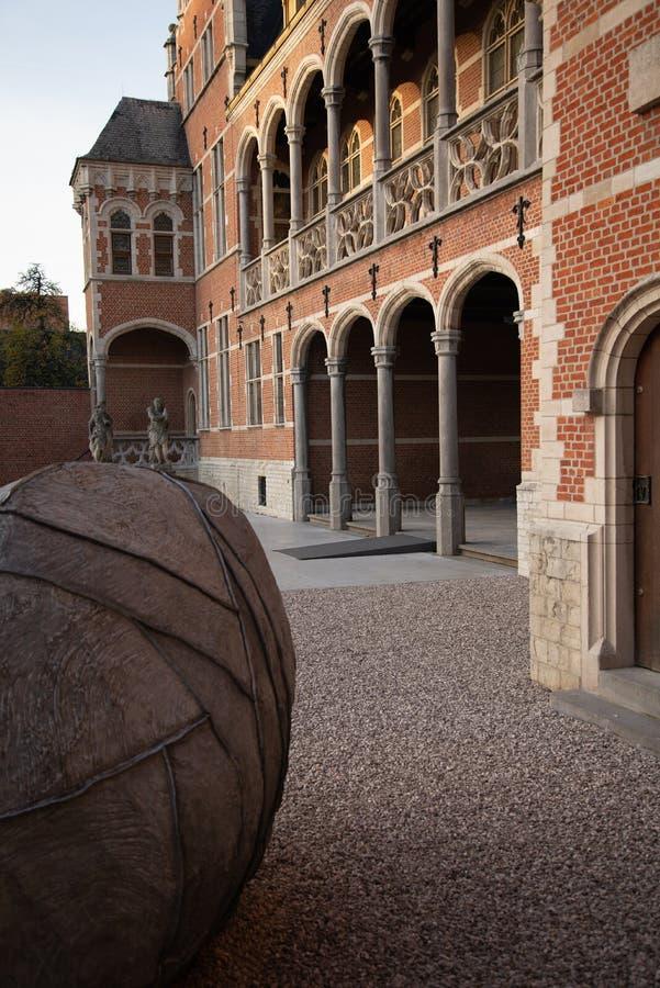 Den flamländska belgiska staden Mechelen Hof van Busleyden royaltyfri foto