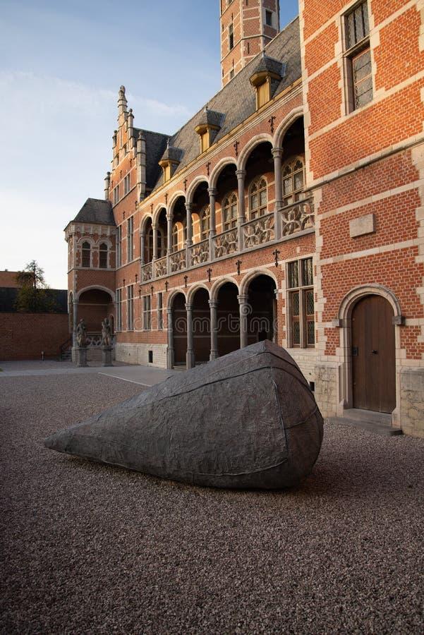 Den flamländska belgiska staden Mechelen Hof van Busleyden royaltyfri bild