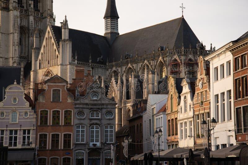 Den flamländska belgiska staden Mechelen Huvudkvadraten arkivfoto