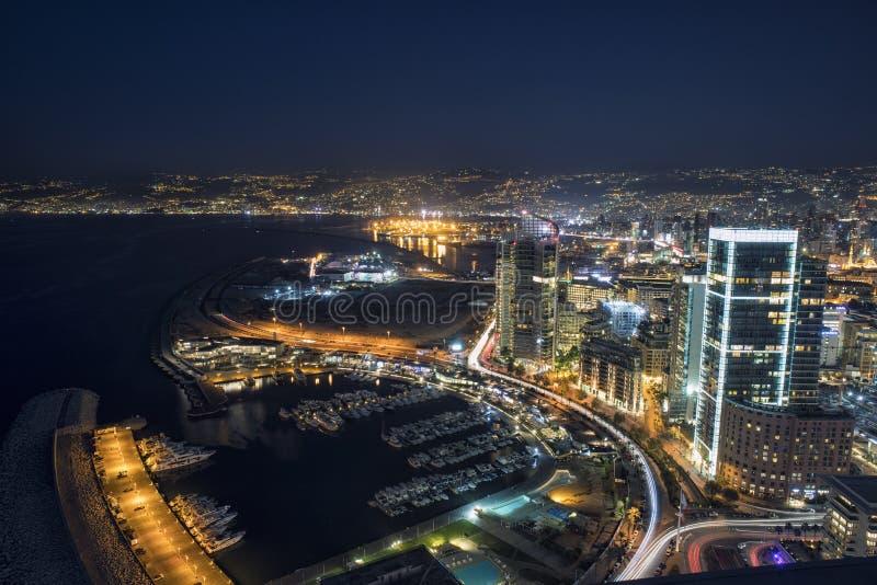 Den flyg- natten sköt av Beirut Libanon, stad av Beirut, Beirut stadsscape arkivfoton