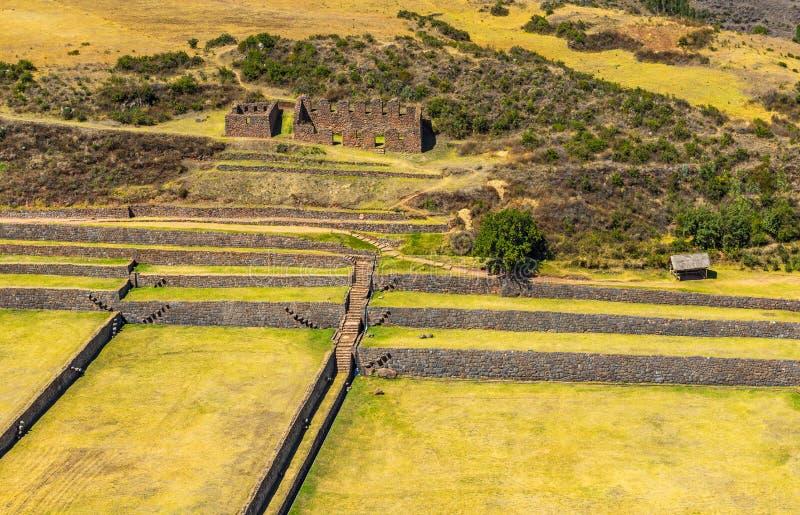 Den flyg- sikten av incaen fördärvar av Tipon, Cusco, Peru arkivfoto