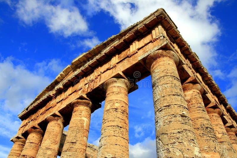 den forntida arkitekturgreken fördärvar tempelet royaltyfria bilder