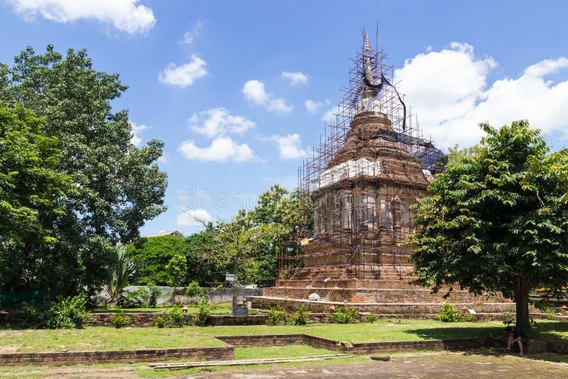Den forntida pagoden är under renovering royaltyfri bild