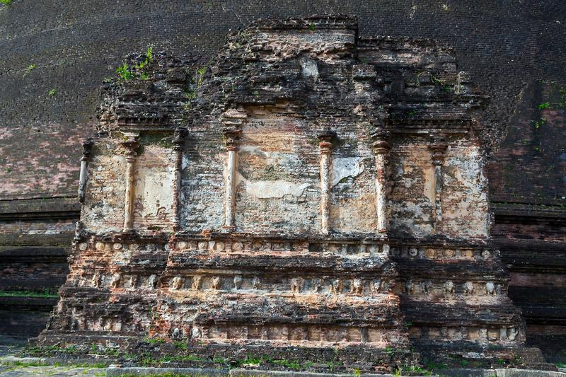 Den forntida staden fördärvar i den Polonnaruwa stadstemplet Sri Lanka VärldsH royaltyfria foton