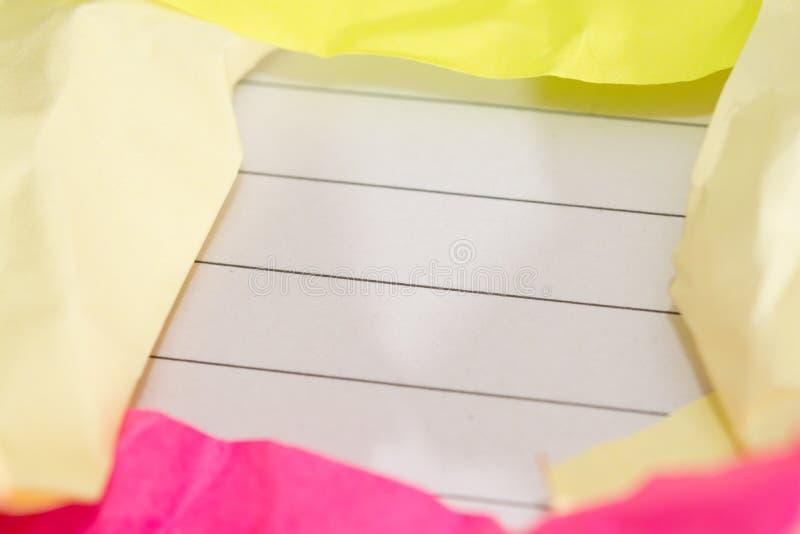 Den framgångbegreppet och idén skrynklade pappers- utrymme för text arkivfoton