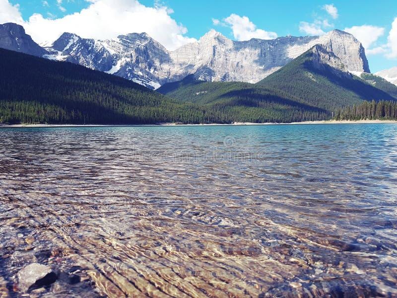Den gömda juveln av Alberta - övreKananaskis sjö arkivfoto