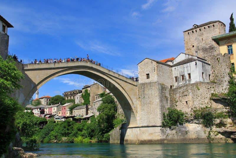 Den gamla bron (Stari mest), Mostar, Bosnien och Hercegovina royaltyfri bild