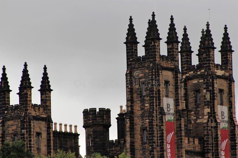Den gamla byggnaden i Edinburg 2018 royaltyfria foton