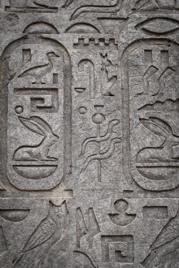Den gamla forntida egyptiska statyn, kultur av Egypten royaltyfria bilder