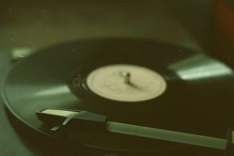 Den gamla grammofonen fotografering för bildbyråer