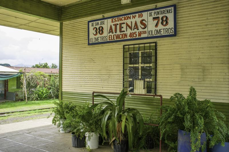 Den gamla järnvägsstationen av Atenas är delen av Rio Grande Railway Museum royaltyfri fotografi