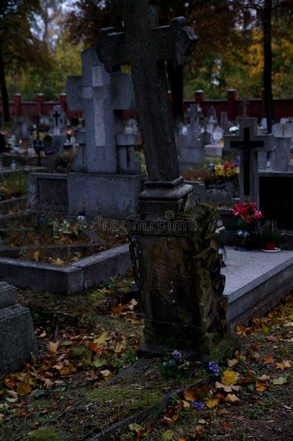 Den gamla kyrkogården royaltyfri fotografi