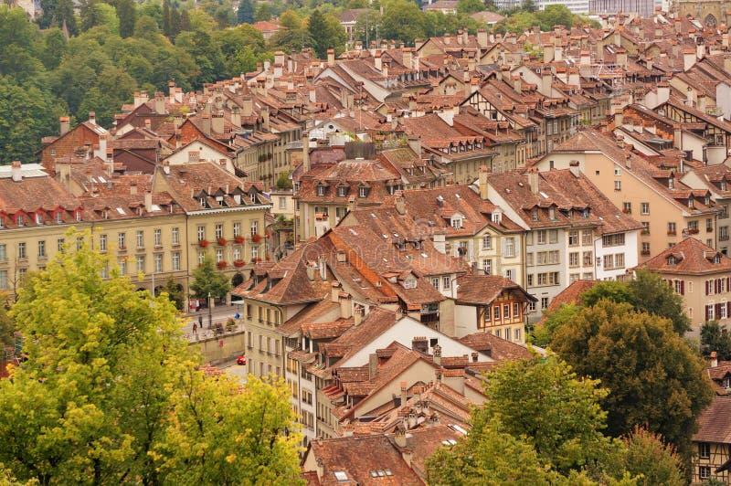 Den gamla staden är det medeltida centret av Bern, Schweiz arkivfoton