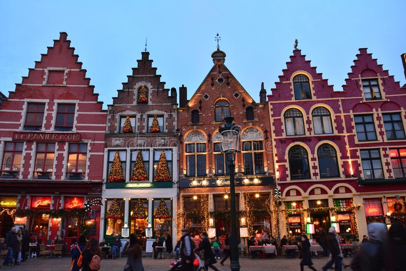 Den gamla staden av Bruges i Belgien för jul arkivbilder