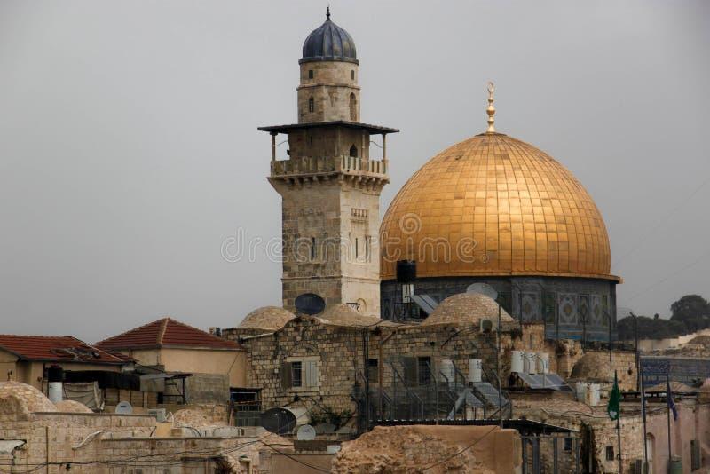 Den gamla staden av Jerusalem med sikten av Alaqsamoskén arkivbild