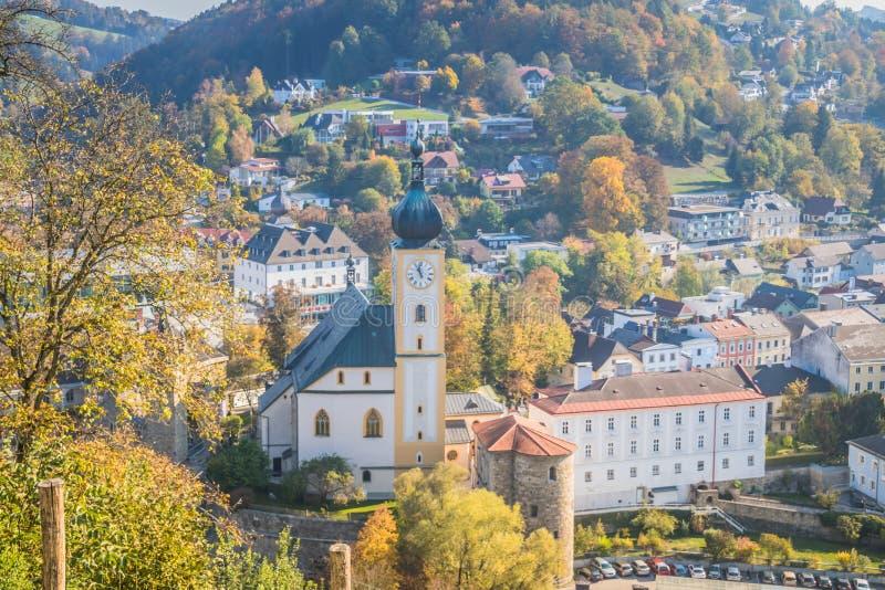 Den gamla staden av Waidhofen en der Ybbs i höst, Mostviertel, lägre Österrike, Österrike arkivfoto