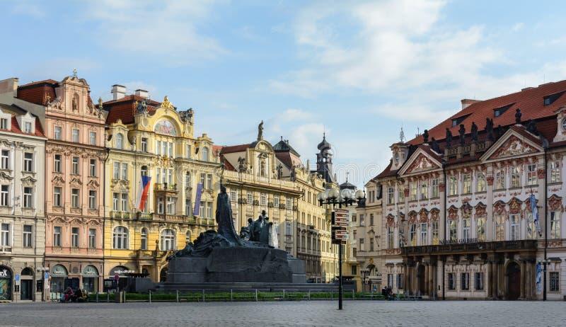 Den gamla stadfyrkanten är den viktigaste fyrkanten av Prague Det historiska området av Prague i området av Prague 1 på rätten arkivfoton