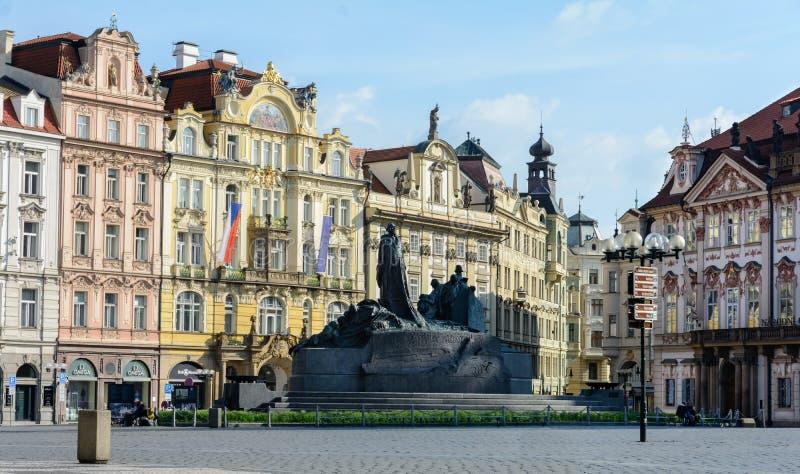 Den gamla stadfyrkanten är den viktigaste fyrkanten av Prague Det historiska området av Prague i området av Prague 1 på rätten royaltyfria bilder