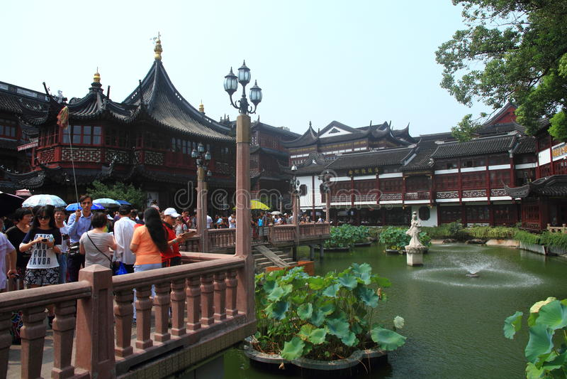 Den gamla templet för stadsgud s i Shanghai royaltyfri fotografi