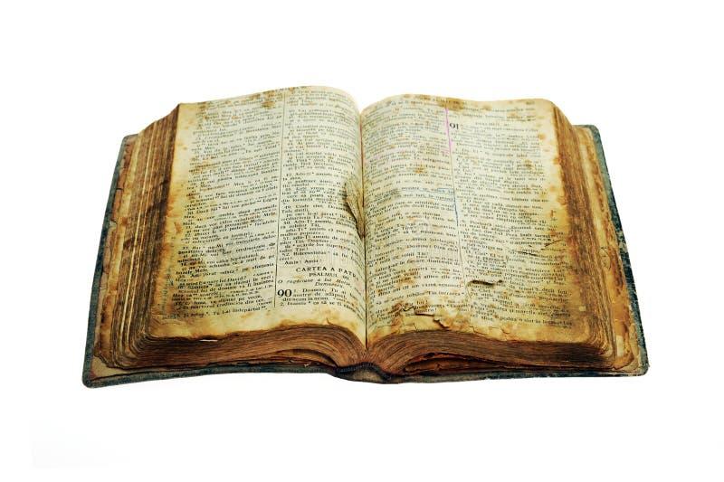 den gammala bibeln öppnar mycket royaltyfri bild