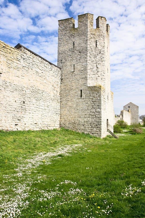 Fästningen står hög i Visby Sverige arkivbild