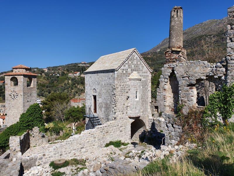 Den gammala townen bommar för - Montenegro royaltyfri foto