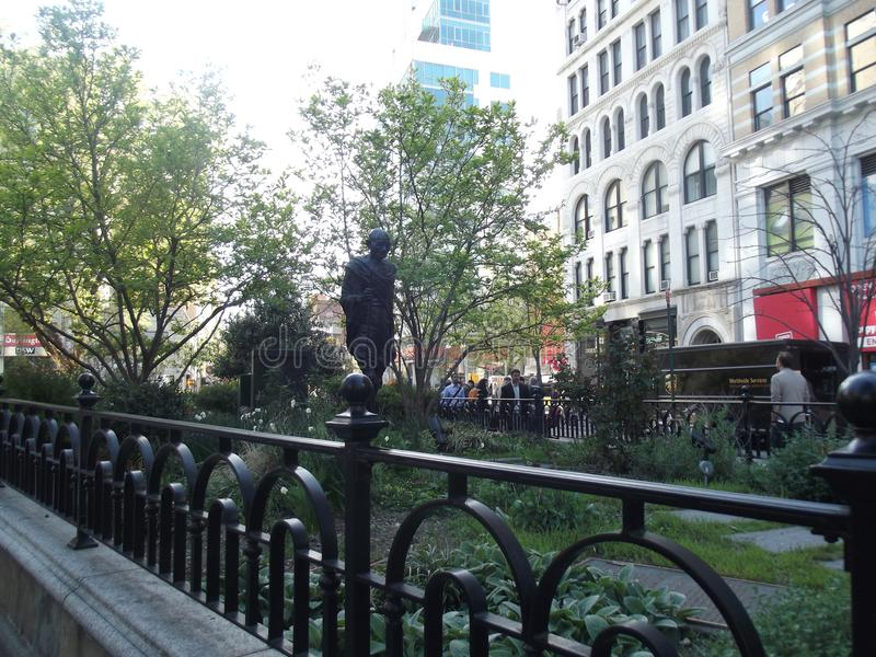 Den Gandhi statyn i Union Square parkerar arkivfoton