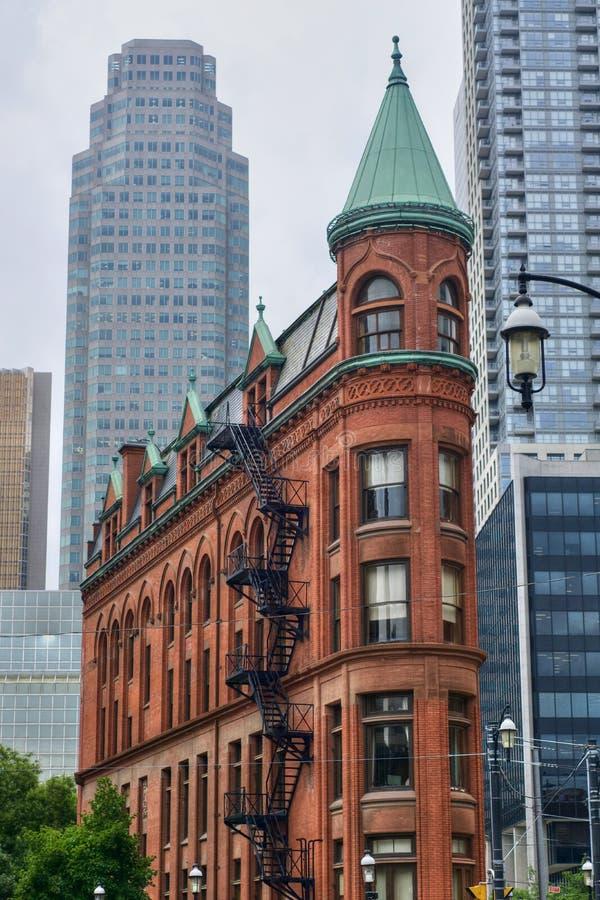 Den Gooderham byggnaden i Toronto, Kanada Lodlinjen beskådar royaltyfri foto