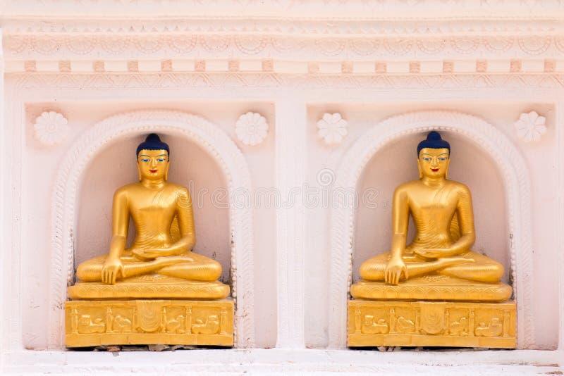 Den guld- Buddha lokaliseras i Wat Thakham, Chiang Mai, Thailand arkivfoto