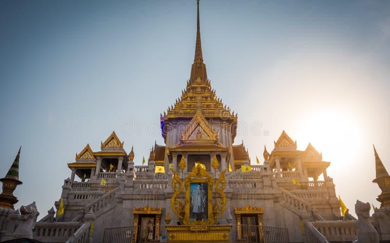 Den guld- Buddhatemplet eller ?Wat Traimitr Withayaram ?, arkivfoto