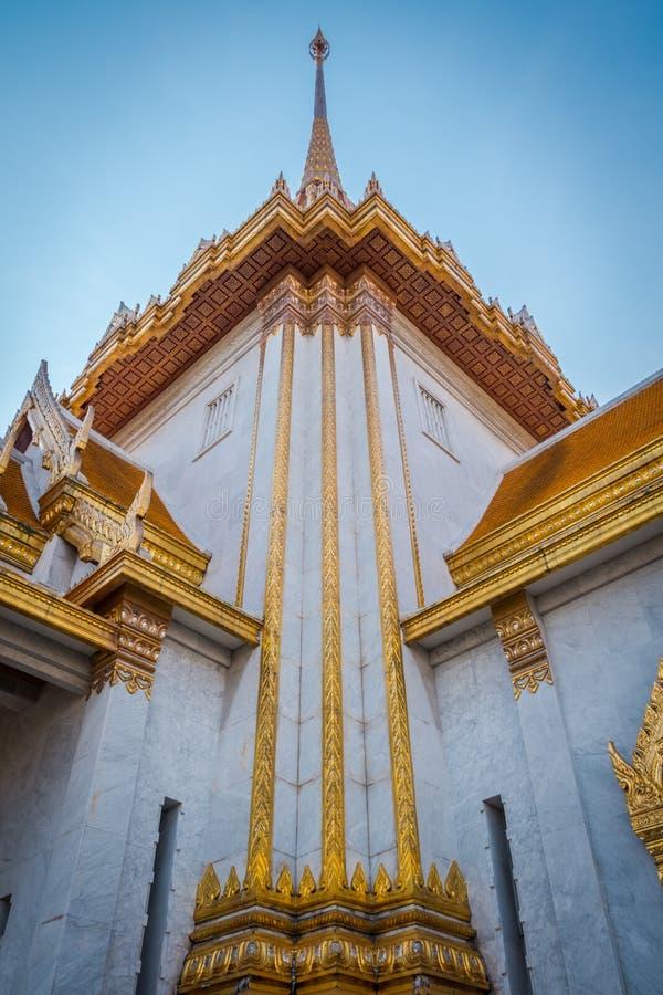 Den guld- Buddhatemplet eller ?Wat Traimitr Withayaram ?, royaltyfria bilder