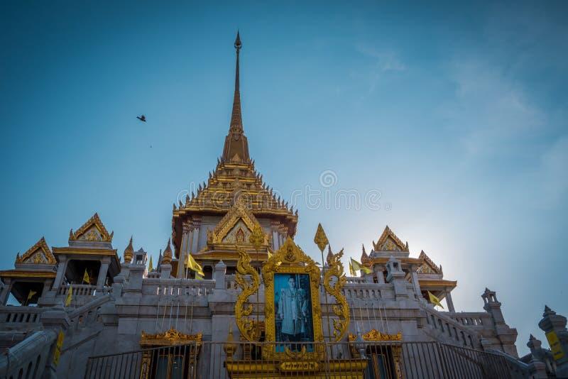 Den guld- Buddhatemplet eller ?Wat Traimitr Withayaram ?, arkivfoton