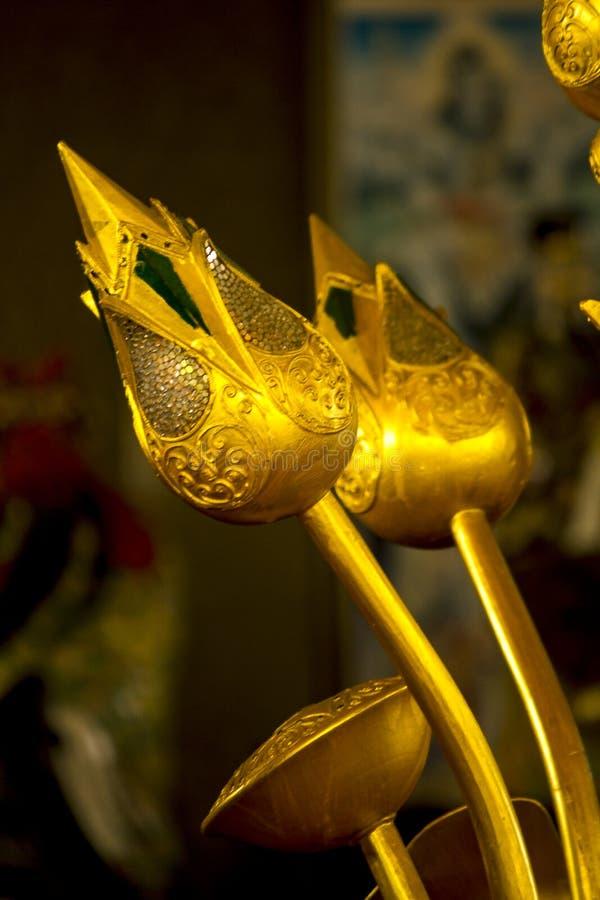 Den guld- lotusblomman dekoreras beautifully arkivfoto
