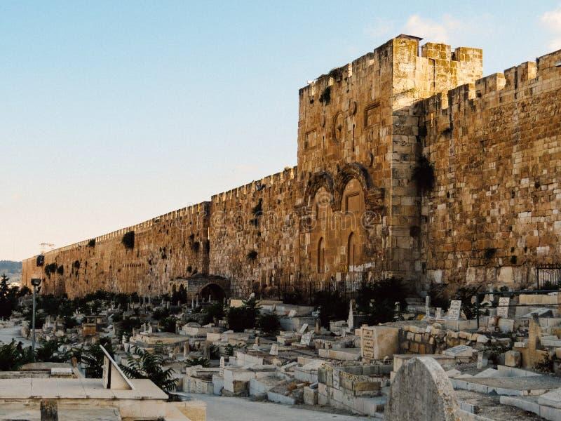 Den guld- porten i Jerusalem royaltyfria bilder